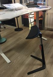 TABOURET ASSIS DEBOUT KINETIC INTERSTUHL NORMANDIE